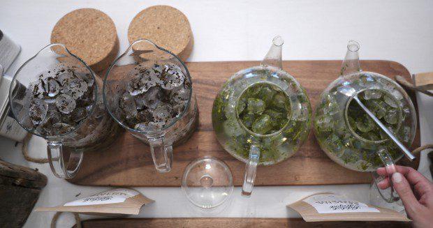 Ice brew Japanese Hojicha and Sencha teas
